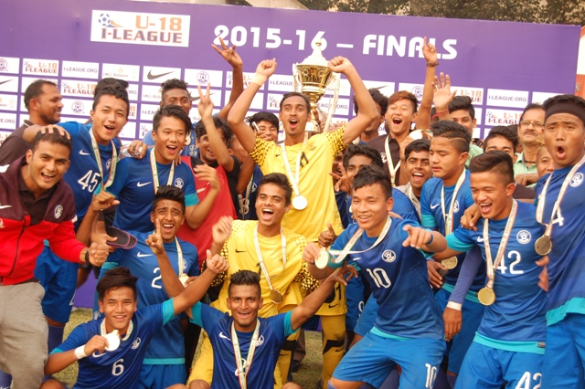 AIFF-Elite-Academy-Team-With-Trophy-2